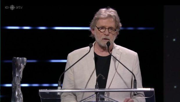 Le directeur photo Pierre Mignot lors de son discours de remerciement pour l'Iris Hommage 2019
