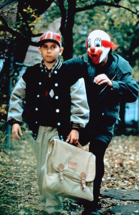 Image du jeune comédien Lawrence Arcouette dans le film Captive de Matt Dorff