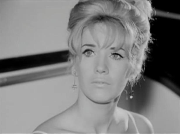 Image de la superbe comédienne Andrée Lachapelle dans le film La corde au cou (Pierre Patry, 1965)