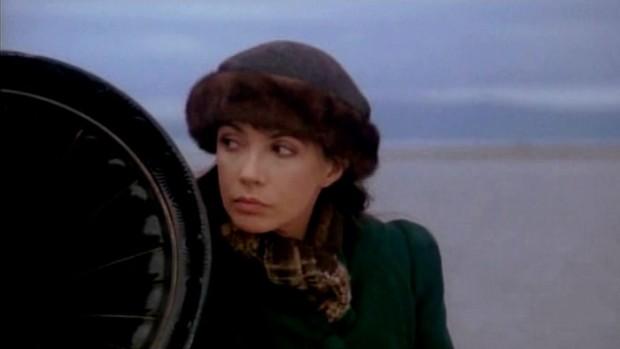 Carole Laure dans Maria Chapdelaine - Maria retourne dans sa famille emportant avec elle son gramophone à musique - (Source: filmsquebec.com)