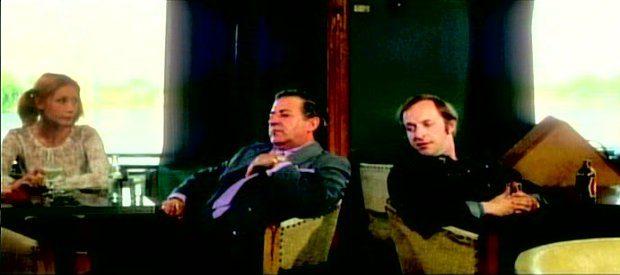 """La maudite galette - le richard, sa """"plotte"""" (Maurice Gauvin et Andrée Lalonde) et Ernest (Marcel Sabourin) - T'es né crotté, tu resteras crotté (capture d'écran ©filmsquebec.com)"""