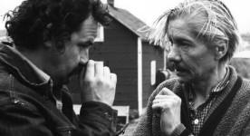 Jean-Claude Labrecque (à gauche) et le comédien Pierre Dagenais sur le tournage du film Les Smattes