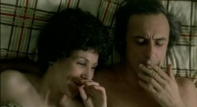 Rita Lafontaine et Yvon Deschamps dans le film Le soleil se lève en retard d'André Brassard (coll. personnelle)