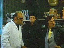 Jean Lapointe (d) et J-Léo Gagnon (g) dans Ti-Mine, Bernie pis la gang de Marcel Carrière