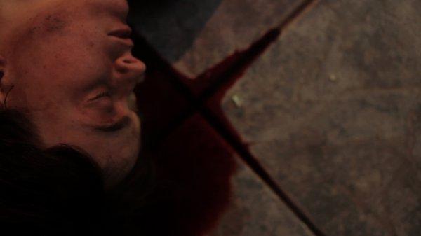 Kayden Rose dans le film Thanatomorphose (Éric Falardeau, 2012)