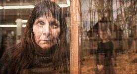 Lise Castonguay est Michelle dans Triptyque de Pedro Pires et Robert Lepage (2013, Les productions du 8e art, Les Films Christal)