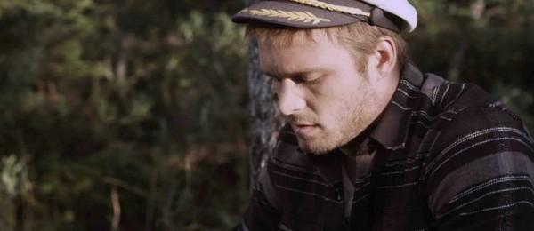Maxime Dumontier dans Un parallèle plus tard (Sébastien Landry, 2013 - Axia Films)