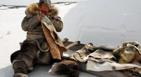 Une femme inuite dans le film Maïna (Michel Poulette, 2014)