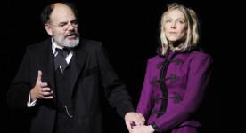 Jean-Pierre Darroussin et Alice Carel dans Une banale histoire d'Anton Tchekhov, adaptée en France par Marc Dugain au Théâtre de l'Atelier en 2011 (©Julien de Rosa)