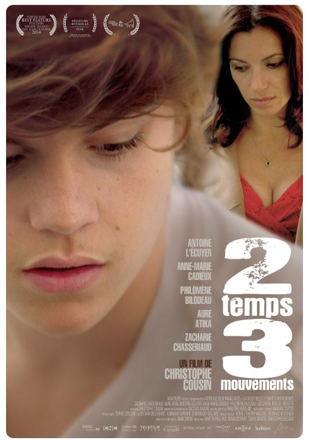 Affiche du film 2 temps 3 mouvements (©Axia Films)