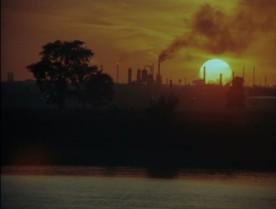 Documentaire de Gilles Groulx intitulé Québec... ? - Image de l'industrialisation (collection personnelle)