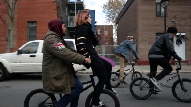 Inbox (Alexandre Prieur-Grenier) - la ride à BMX de Marie et Luka - ©24/7 Films
