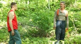 """Image des comédiens Antoine L'Écuyer et Roy Dupuis en tournage du film """"Le bruit des arbres"""" Photo par Christian Mouzard"""