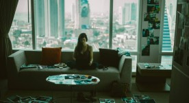 Image de la comédienne française Anna Mouglalis dans le film Anna de Charles-Olivier Michaud (Source Films Séville)