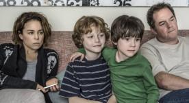 Suzanne Clément, Paul Doucet et leurs deux enfants dans Early Winter de Michael Rowe. (Source : MIFF)