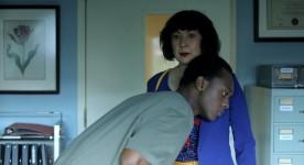 Youssef Camara et Marie Brassard dans le coeur de Madame Sabali (2015, Ryan McKenna - K-Films Amérique)