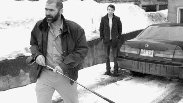Image du comédien Nick Theodorakis dans Harry portrait d'un détective privé de Maxime Desruisseaux (source : page Facebook du film)