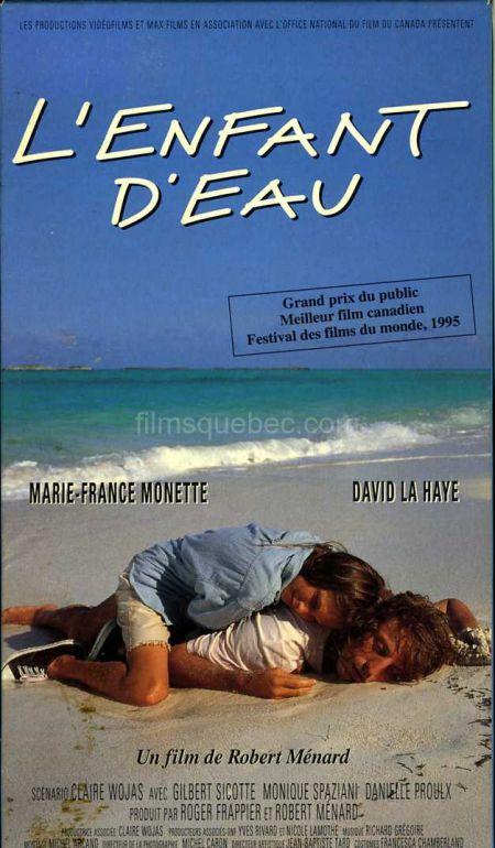 pochette VHS de L'enfant d'eau de Robert Ménard (les deux survivants du crash aérien sont enlacés sur la plage)