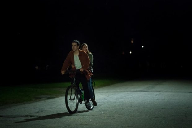 Image extraite du film Like a House on Fire de Jese Hoah Klein (crédit Lindsay Sarazin)