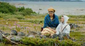 Malaya Qaunirq Chapman et Etua Snowball dans La rivière sans repos de Marie-Hélène Cousineau et Madeline Ivalu