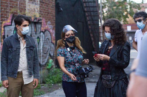 Patricia Chica et ses comédiens sur le tournage de Montreal Girls (Photo: Sophia Benalouane)