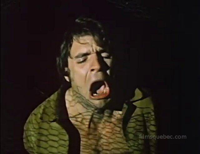 Percy Harkness dans Ever After All (Gaged Terror) de Barrie McLean (l'homme crie de douleur alors que sa blonde est malmenée par un inconnu)