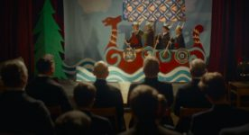Le club Vinland - extrait du film de Benoit Pilon, en salle au printemps 2020 (un groupe de jeunes garçons recrée une épopée Viking devant des pères en soutane)