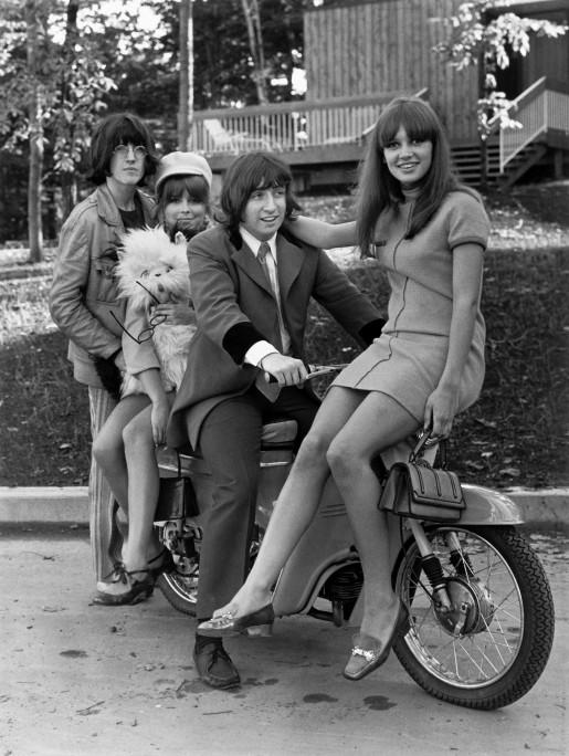 Image publicitaire pour le film Kid Sentiment (les quatre jeunes et leur mobylette)