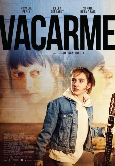Affiche du film Vacarme de Neegan Trudel (sous le regard de sa mère, une fillette qui tient une guitare à la main)